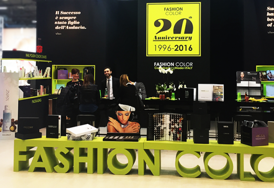 STAND FASHION COLOR – 2016